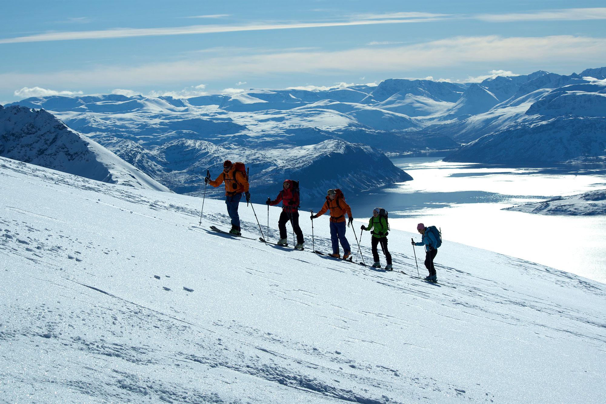 Skiturer i Lyngsalpene. Foto